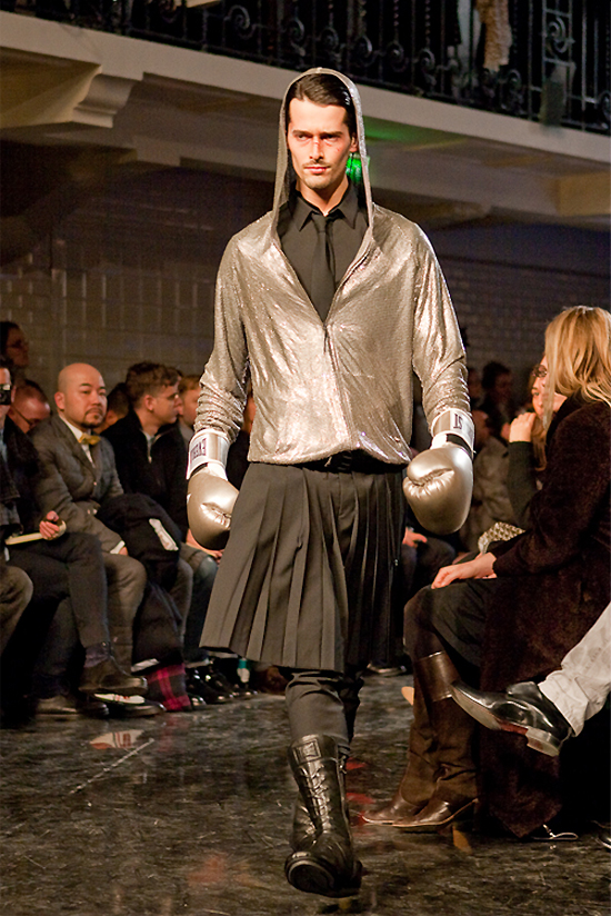 jean-paul-gaultier-paris-men-fw-2010-2011-3