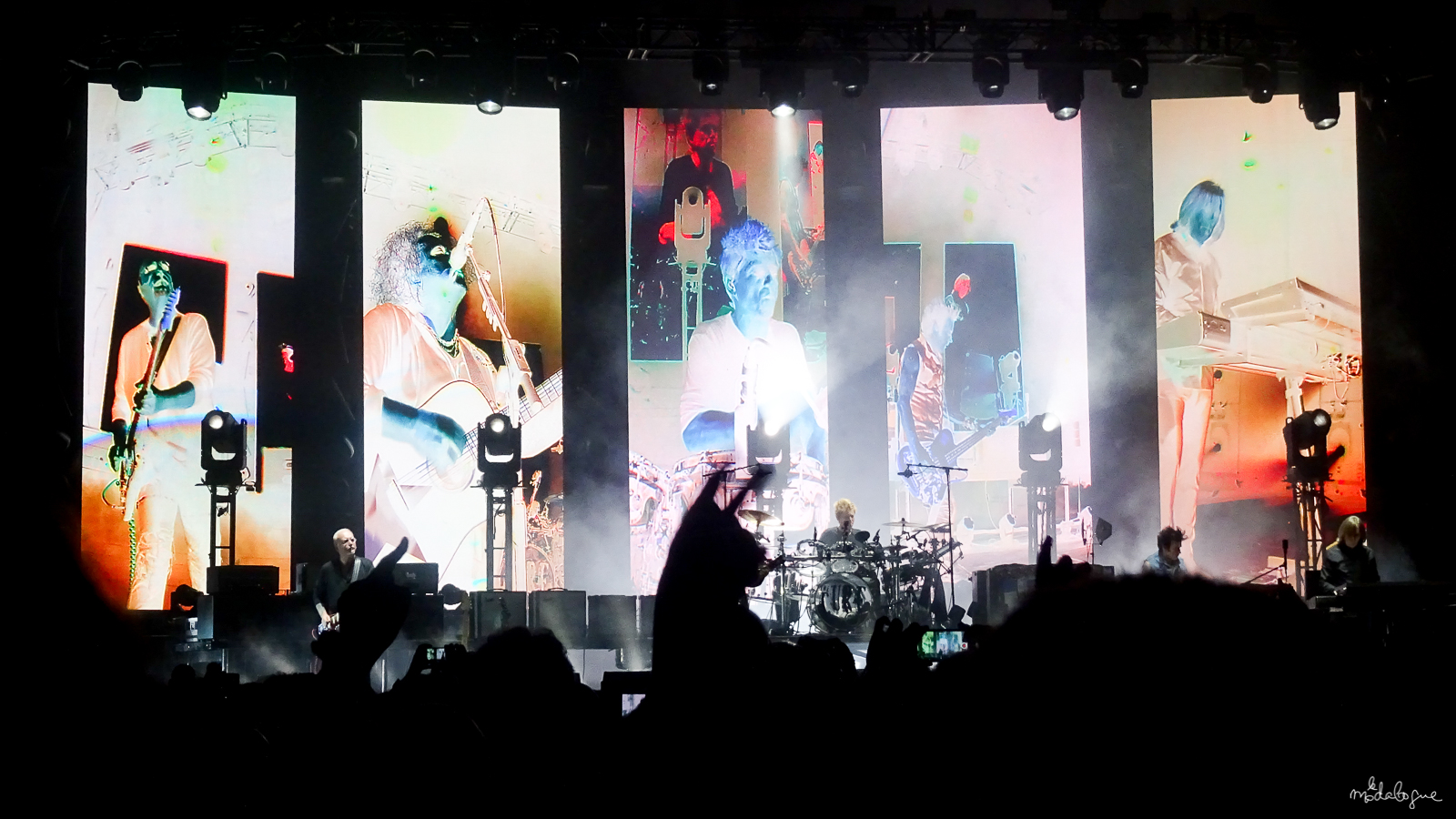 the-cure-bercy-2016-1