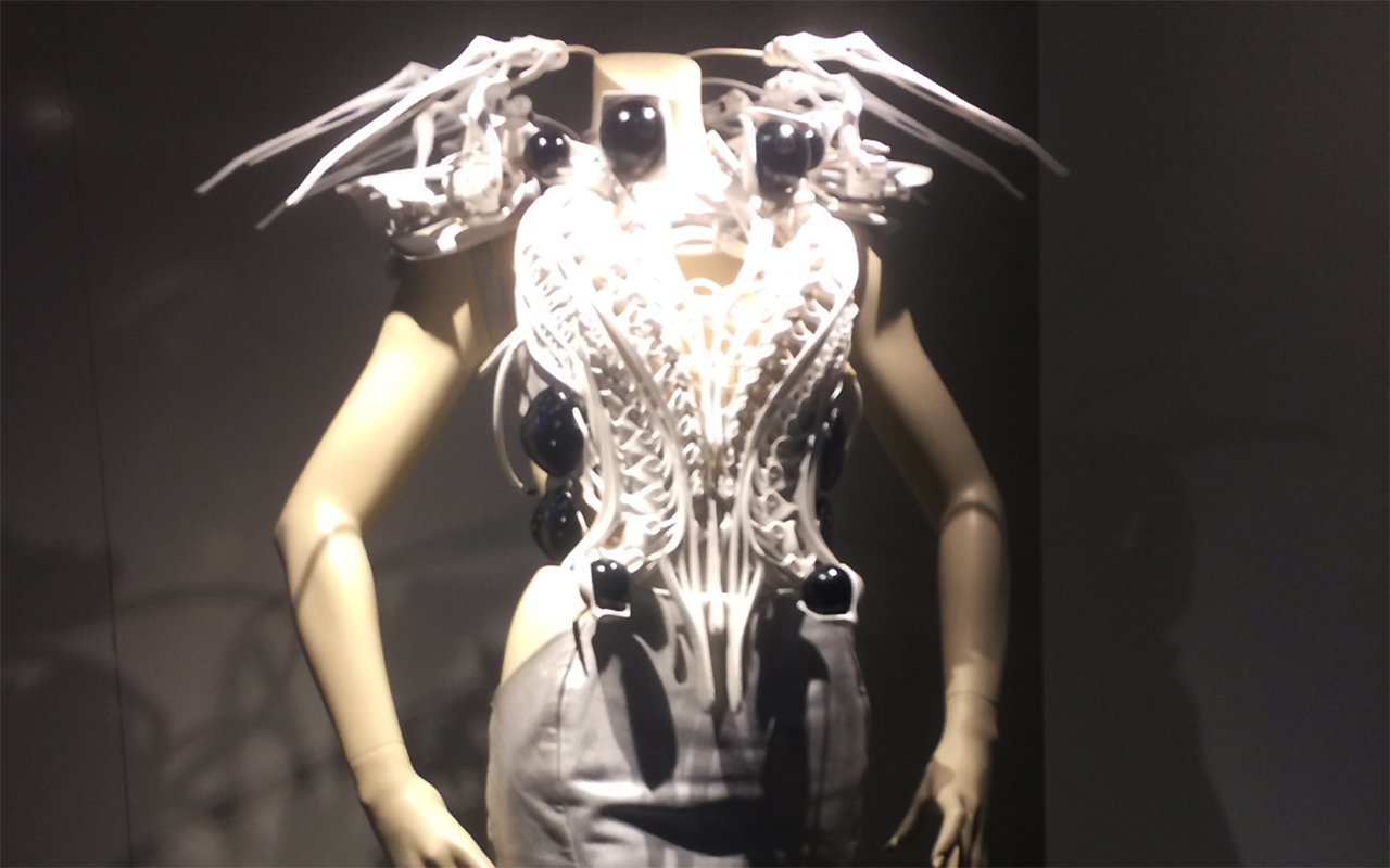 wearable-spider-dress