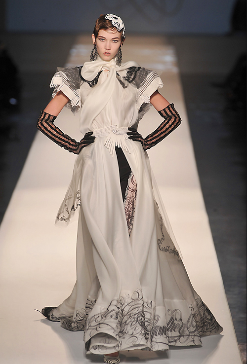 calligraphie-jean-paul-gaultier-couture-2009
