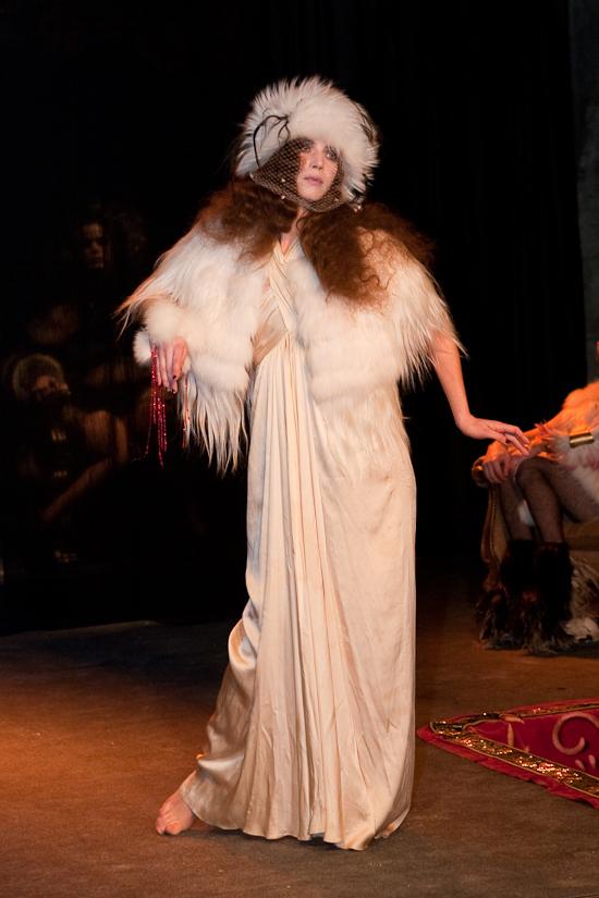 quentin-veron-women-paris-fashion-week-2010-2011-3