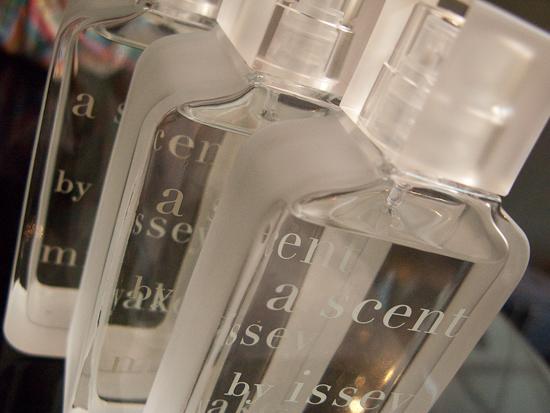 a-scent-miyake-flacons