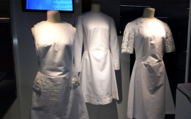 wearable-lace-sensor-dress